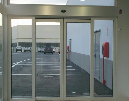 Puerta automatica ditec for Precio de puertas automaticas